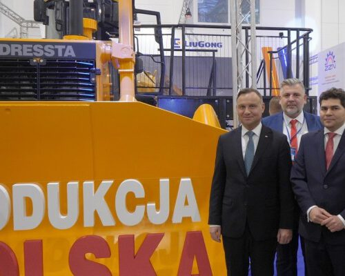President of Republic of Poland, Mr. Andrzej Duda, visits LiuGong Dressta Machinery stand at the national Polish Exhibition of Economy
